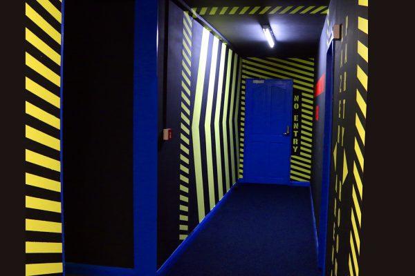 Lazer Zone Corridor